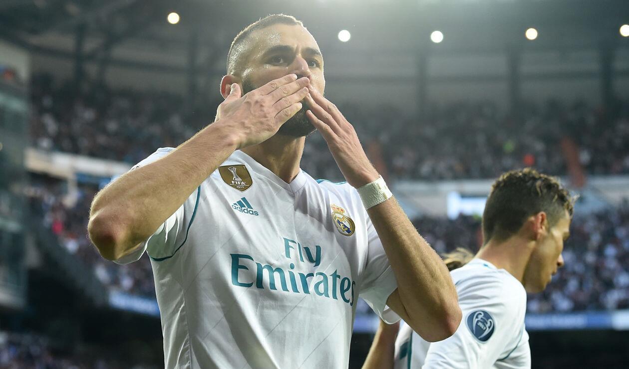 Karim Benzema celebrando su gol ante el Bayern Munich en el partido de vuelta de la UCL