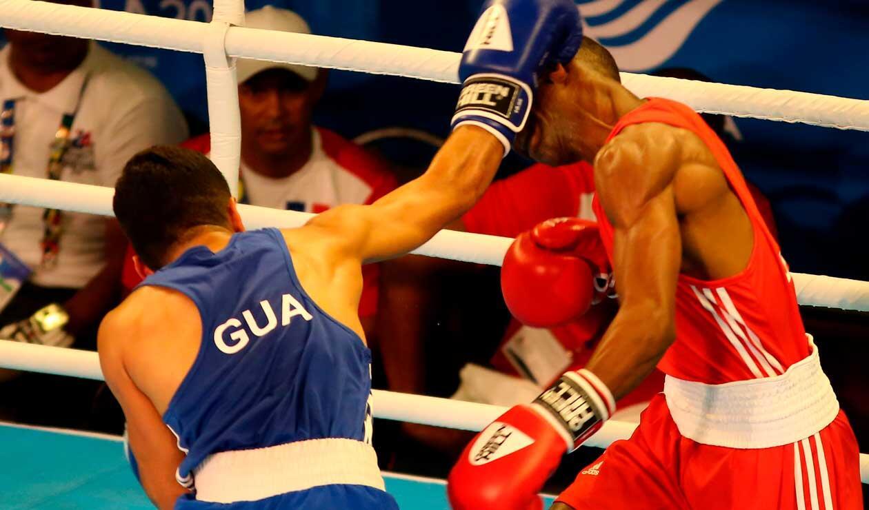 Mario Cepeda se enfreta a Tello Tello, boxeadores de Honduras en los Juegos Centroamericanos y del Caribe Barranquilla 2018