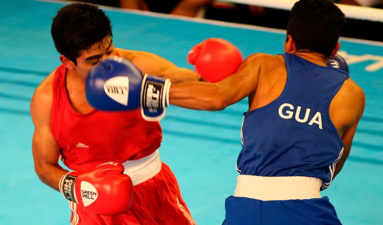 Eddie Valenzuela de Guatemala y Miguel Capilla Flores de México en los Juegos Centroamericanos y del Caribe Barranquilla 2018