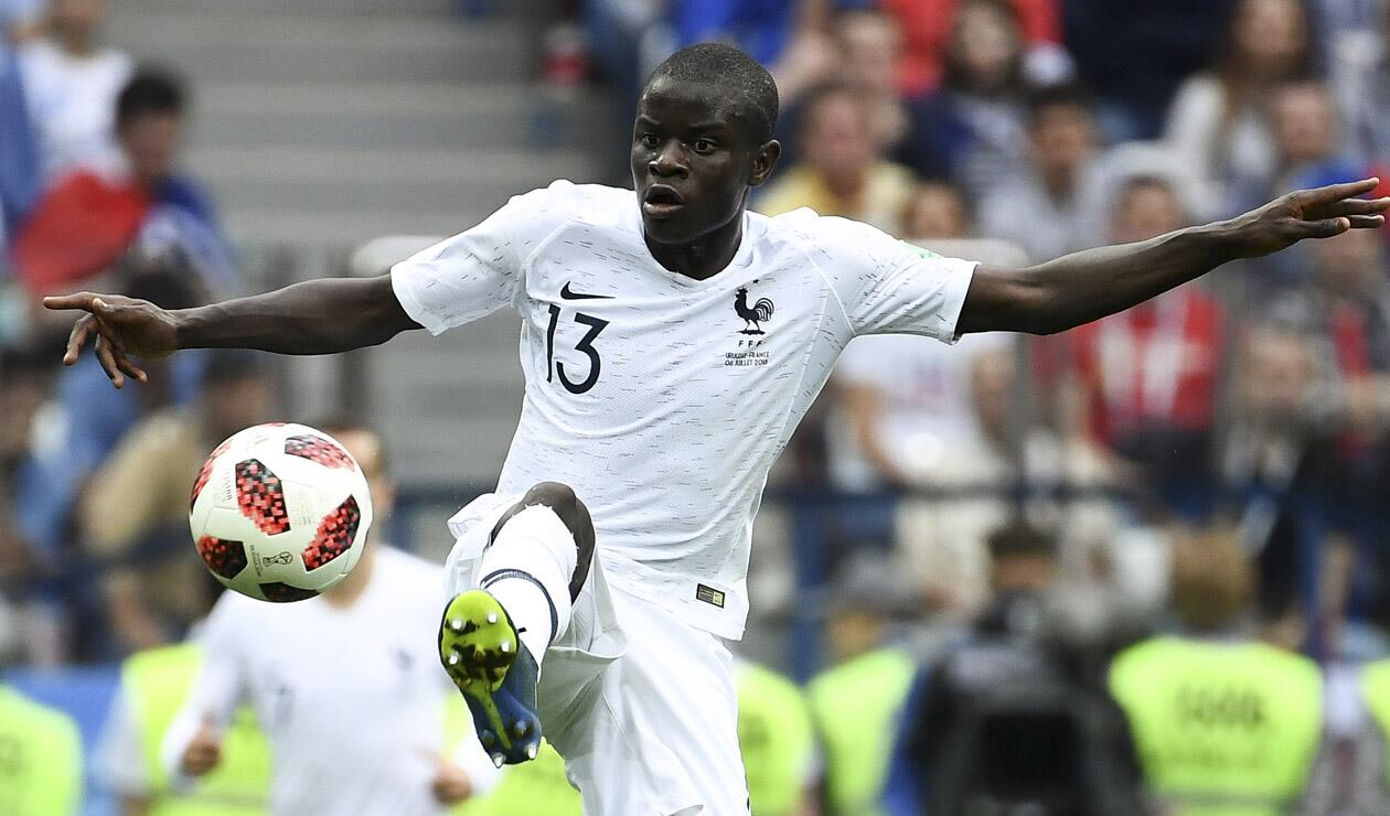 Ngolo Kante en el juego entre Francia y Uruguay en Rusia 2018
