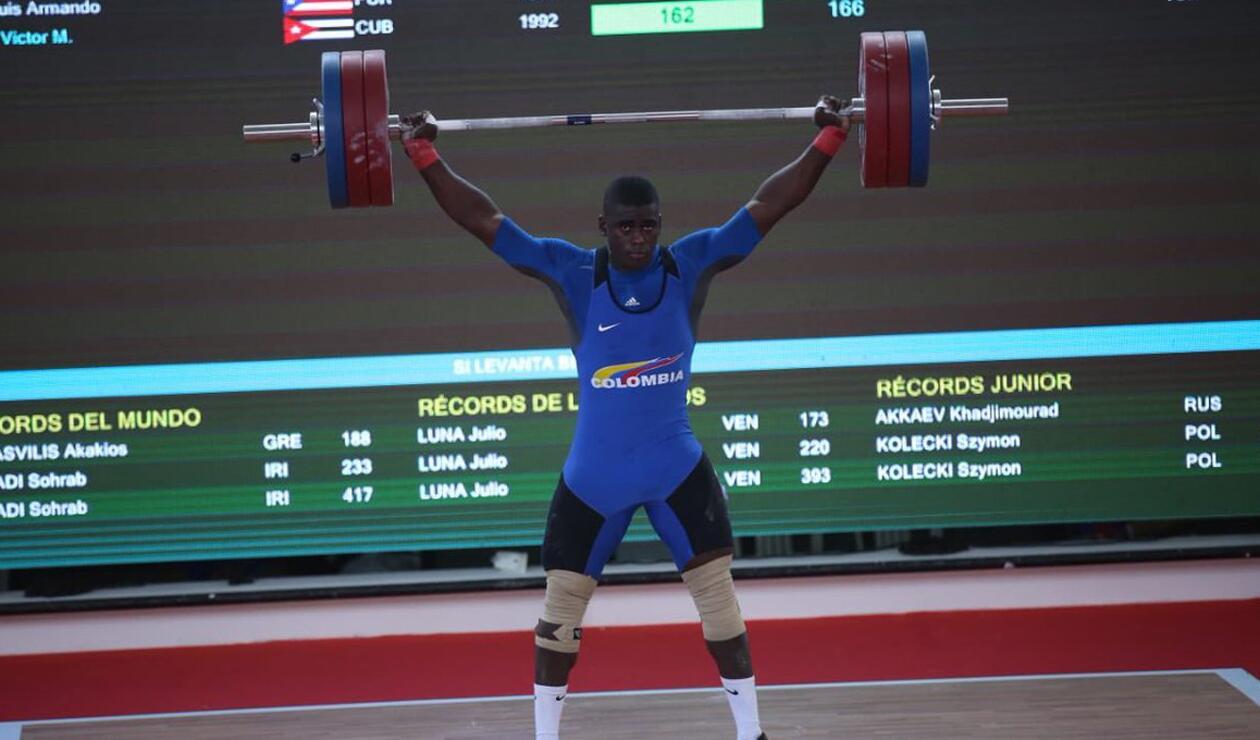 JhonatanRivas venció a los cubanos y aumentó oros de Colombia en pesas