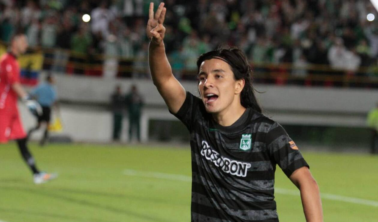Sherman Cárdenas jugando para Atlético Nacional