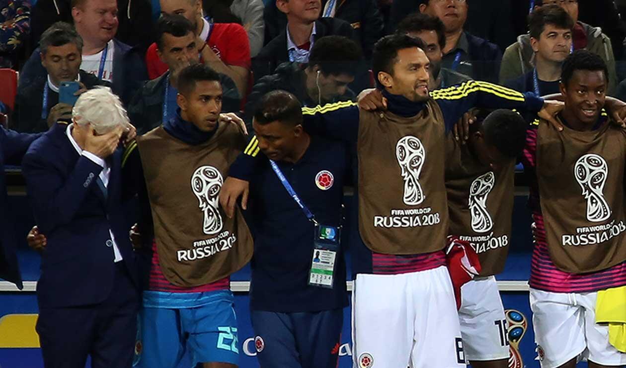 José Pékerman viendo la tanda de penales entre Colombia e Inglaterra