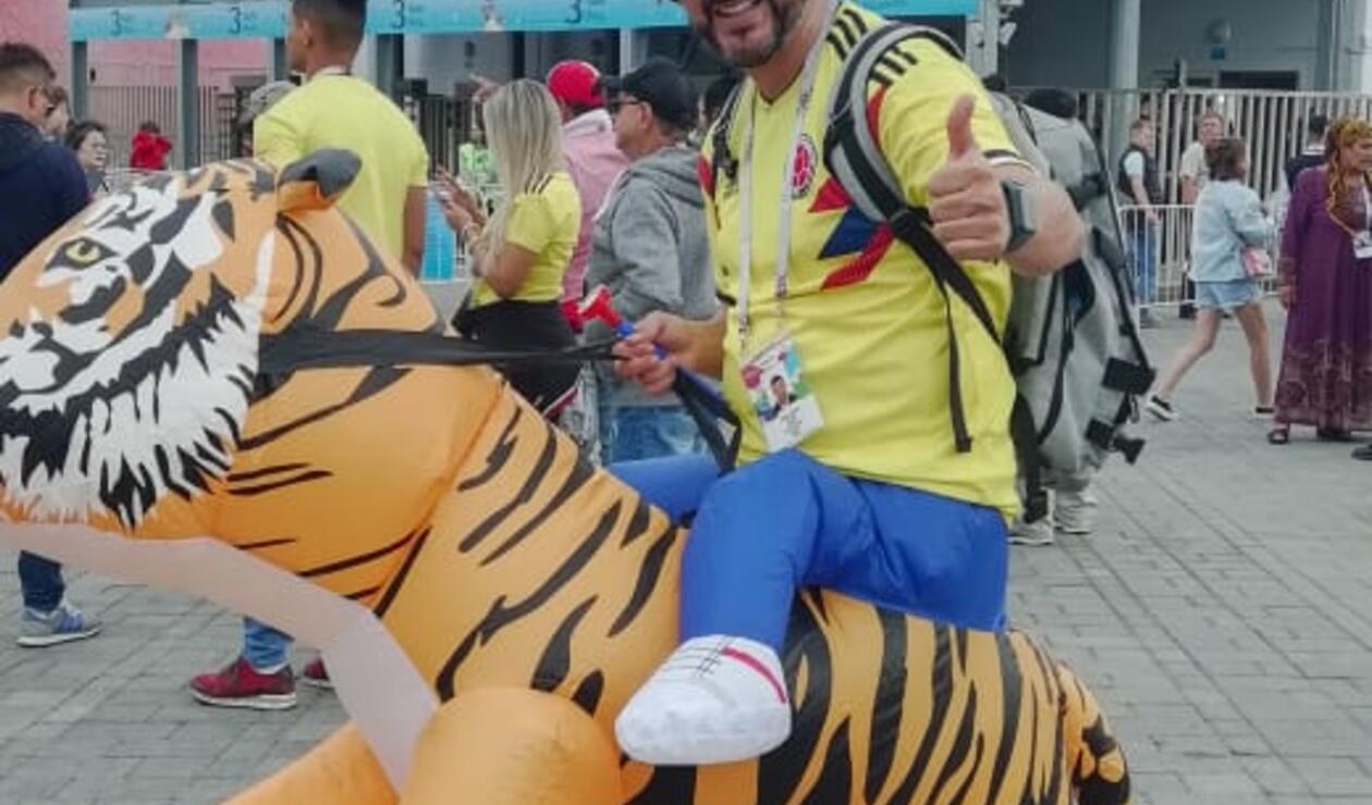 Hinchas colombianos apoyan a la Selección ante Inglaterra