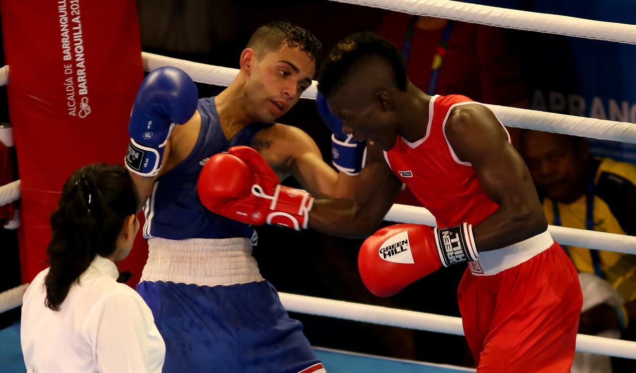 Yuberjen Martínez (Colombia) vs Óscar Collazo (Puerto Rico)