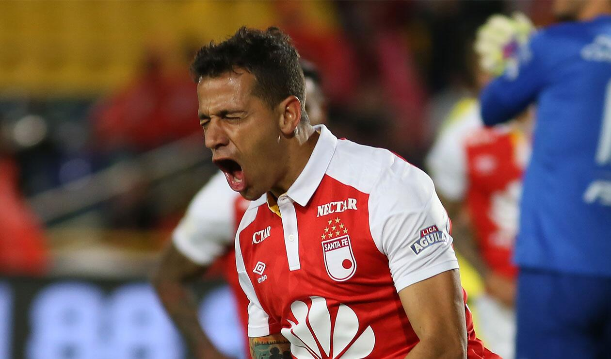 Diego Gustastavino celebrando el tercer gol de Santa Fe