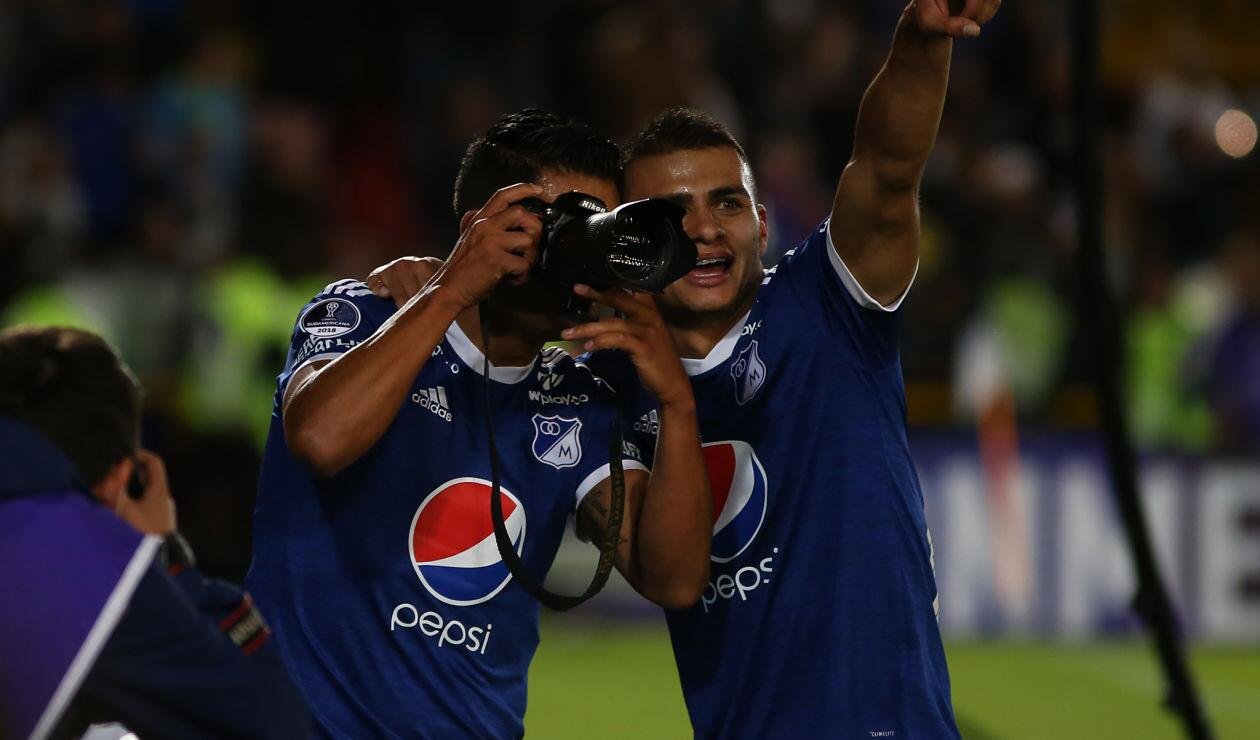 Curiosa celebración de David Macálister Silva durante la clasificación de Millonarios en la Copa Sudamericana