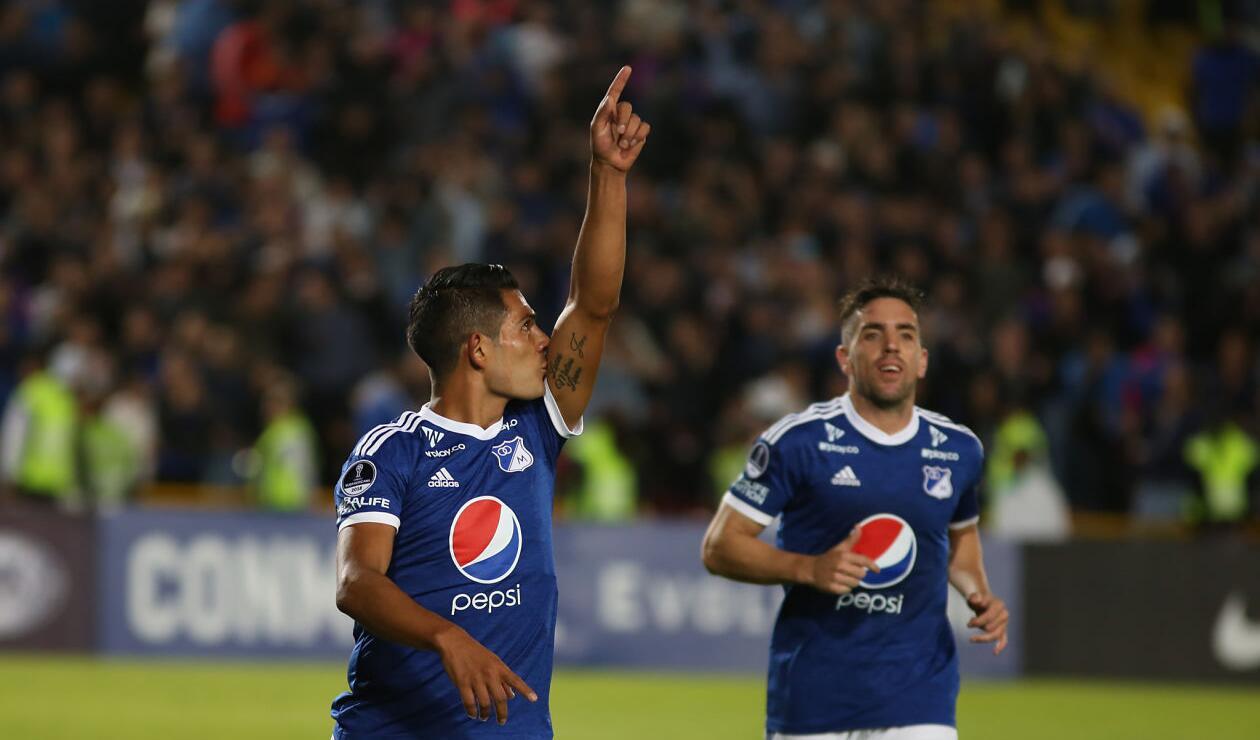 David Macálister Silva celebra el 4-0 de Millonarios ante General Díaz en la Copa Sudamericana