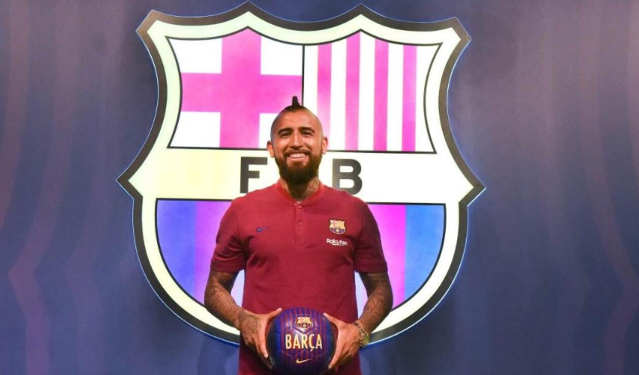 El chileno Arturo Vidal ya se vistió con la camiseta del Barcelona