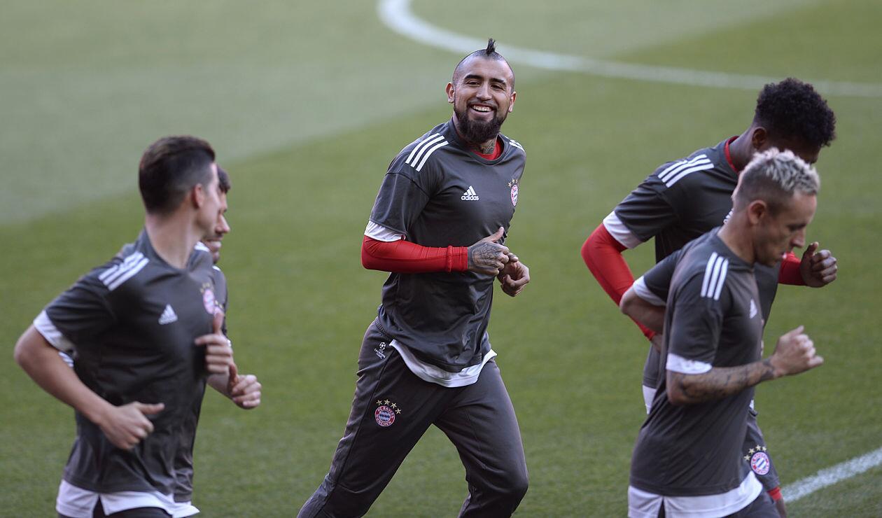 Arturo Vidal en una cesión de entrenamiento con el Bayern Múnich