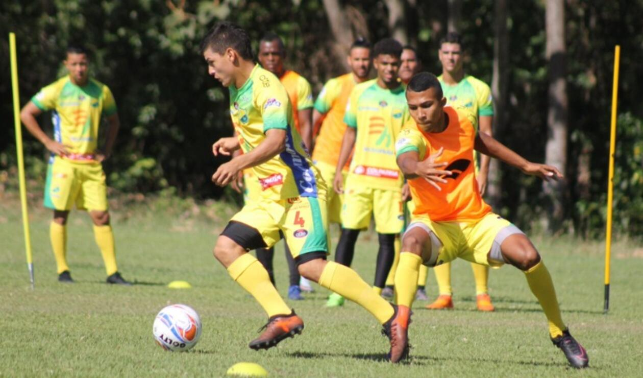 El Atlético Huila se prepara para enfrentar la Liga Águila