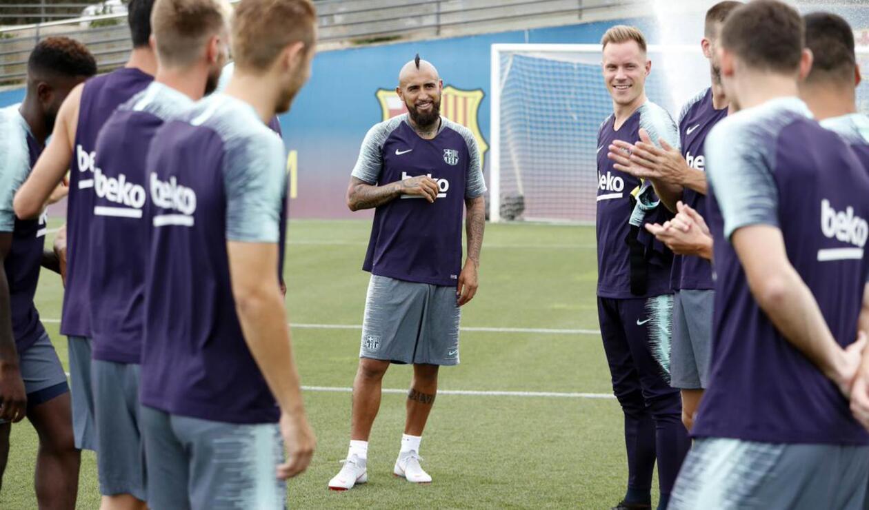 Arturo Vidal se reunió con todo el grupo