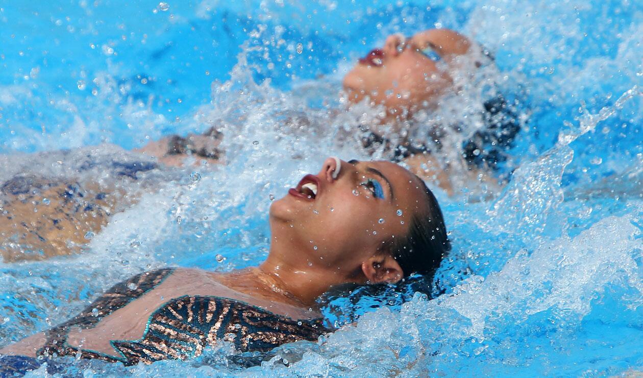 La pareja colombiana en la prueba de nado sincronizado · Juegos Centroamericanos y del Caribe Barranquilla 2018