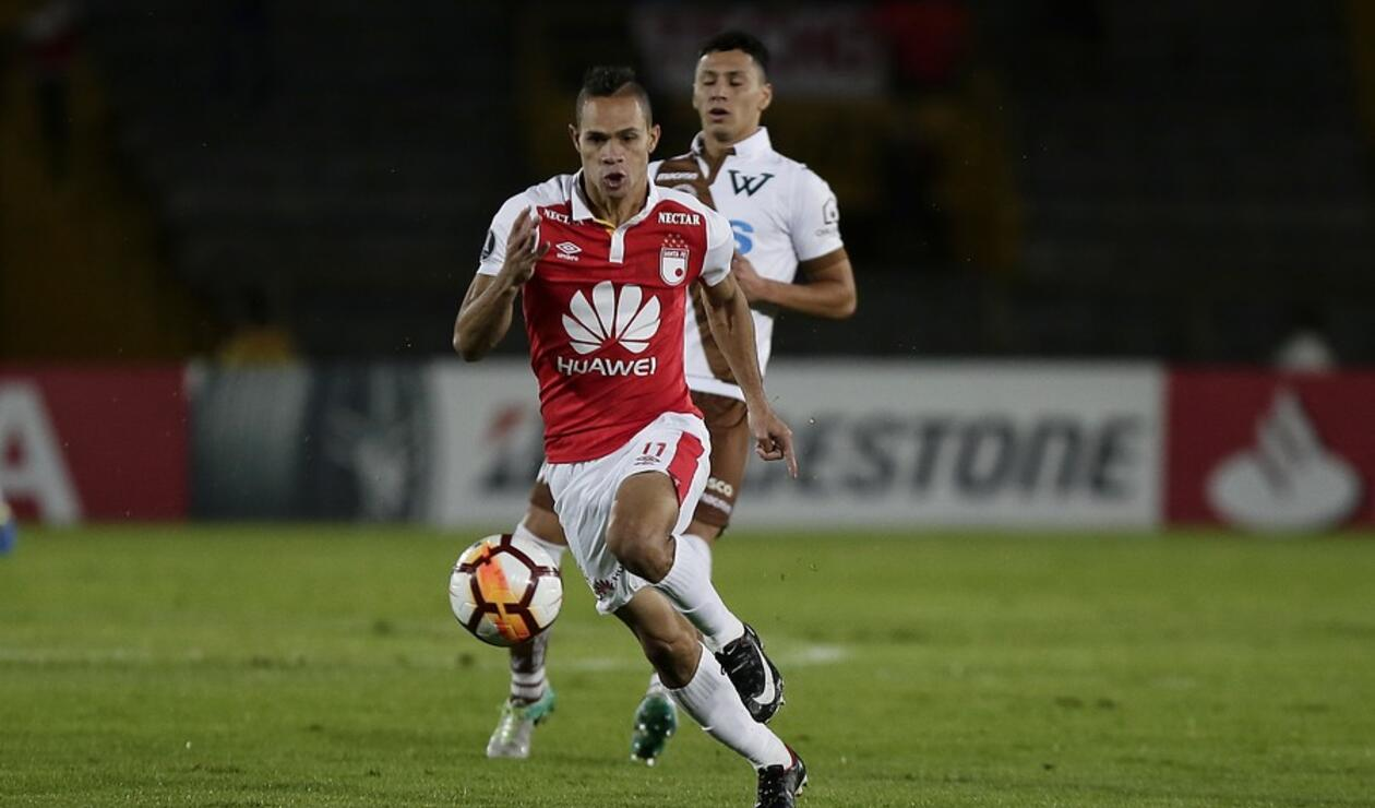 Anderson Plata en un juego de Copa Sudamericana con Santa Fe