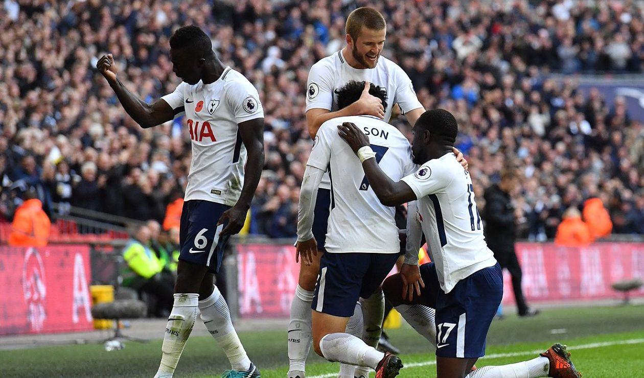 Dávinson Sánchez celebra su primer año en Tottenham