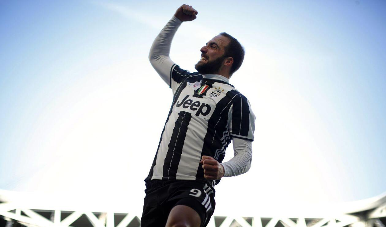 Juventus y Milán confirman el canje que incluye a Gonzalo Higuaín