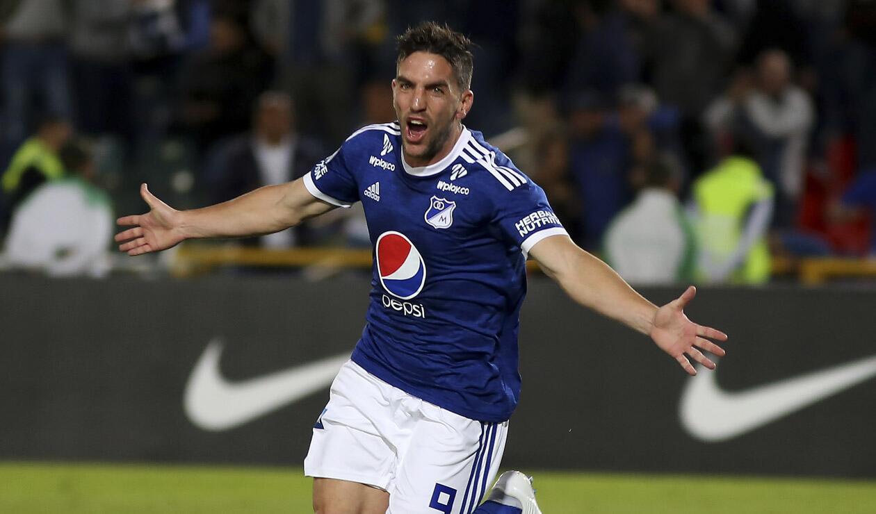 Gabriel Hauche celebrando un gol con Millonarios en la Sudamericana