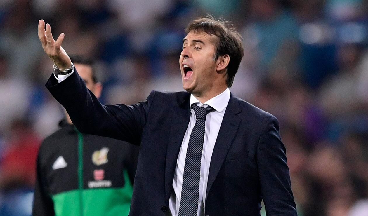 Julen Lopetegui dirigiendo su primer partido con el Real Madrid en la liga española