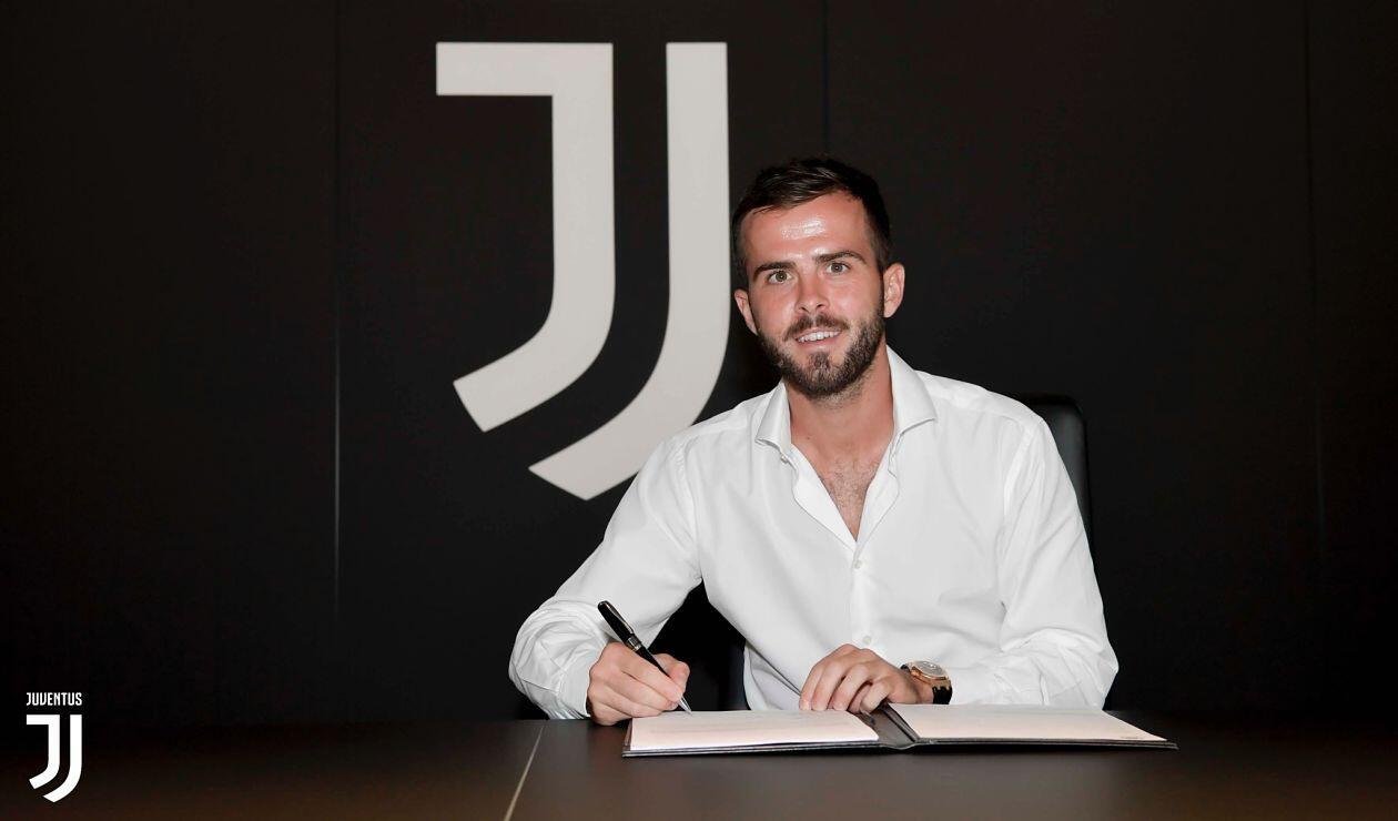 Miralem Pjanic renovó con la Juventus hasta 2023