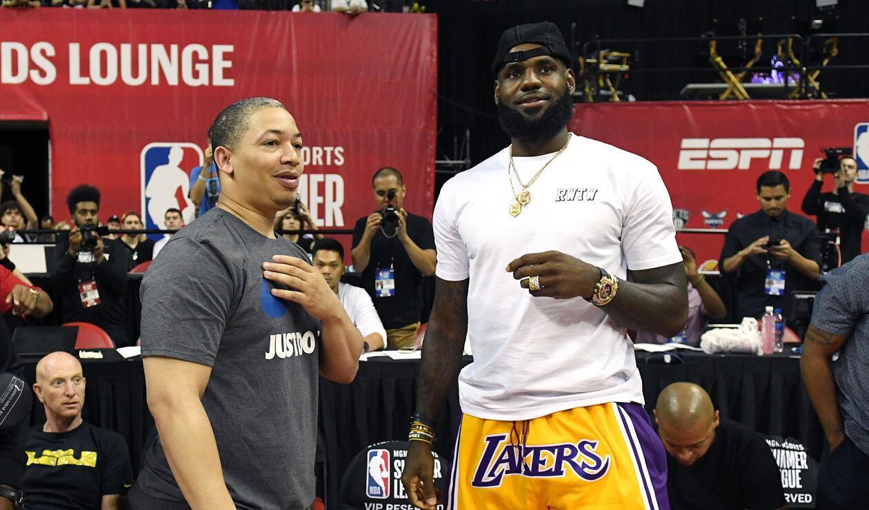 LeBron James, alero de los Lakers