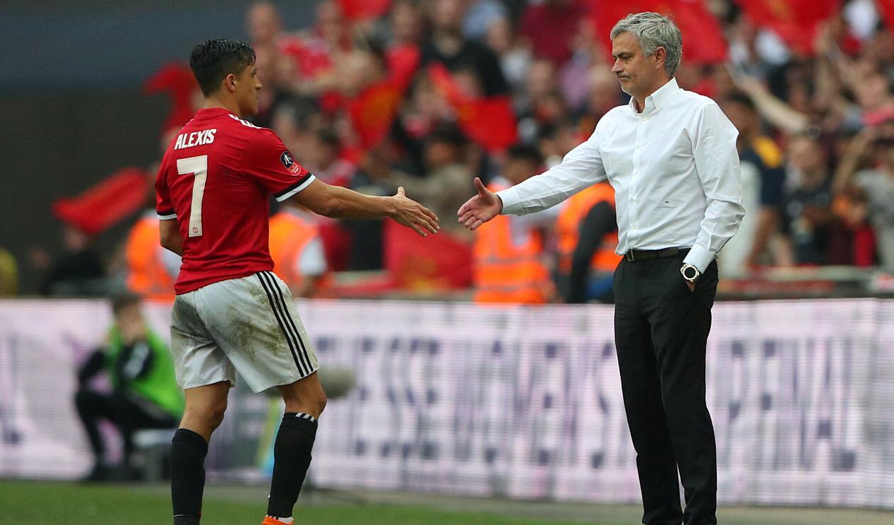 Alexis Sánchez, la esperanza para levantar el estado de ánimo de Mourinho
