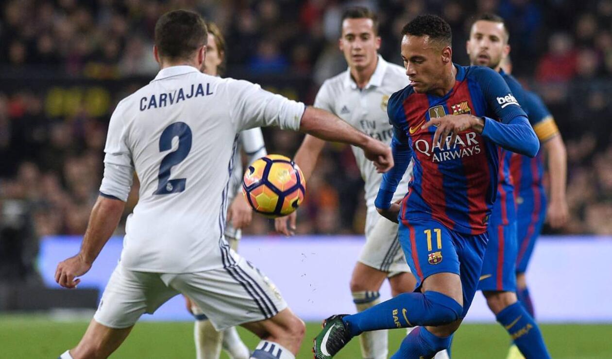 Neymar jugando con el Barcelona ante el Real Madrid