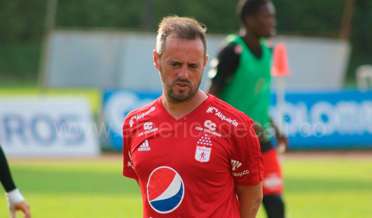 Pedro Santos, ex técnico del América de Cali, despedido tras derrota ante Nacional