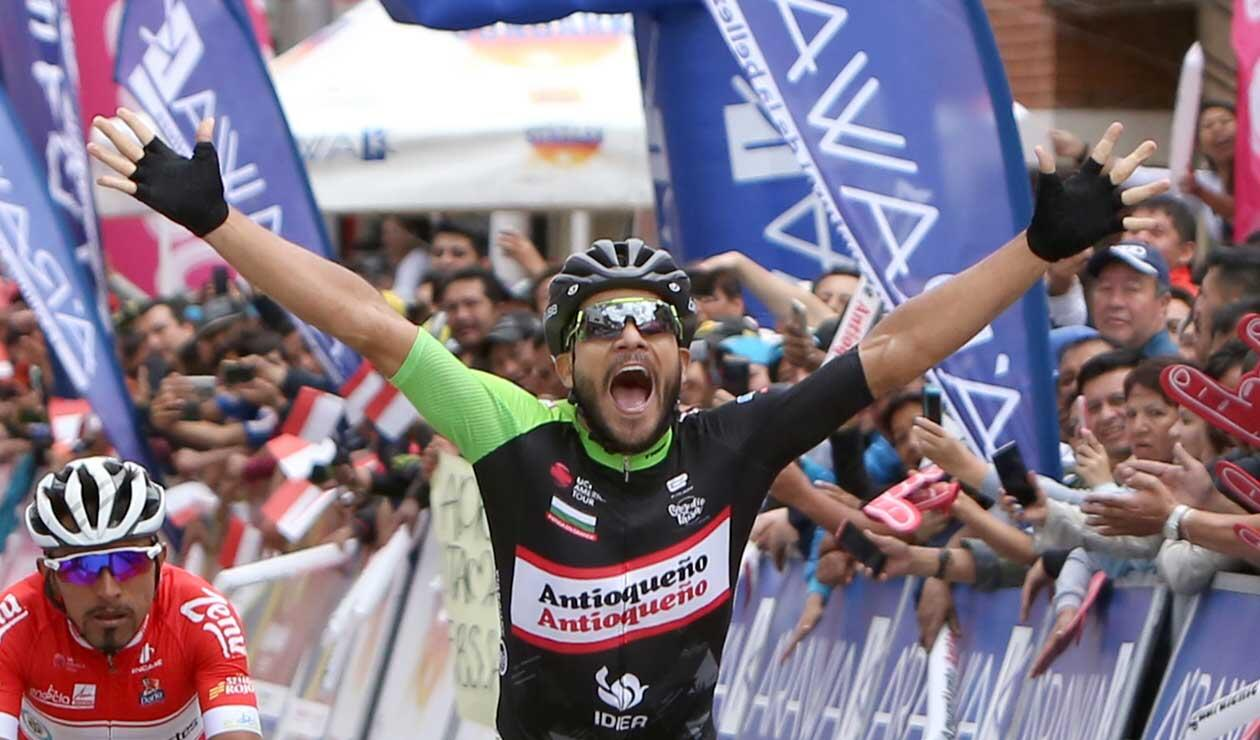 Carlos Julián Quintero al ganar la cuarta etapa del Clásico RCN
