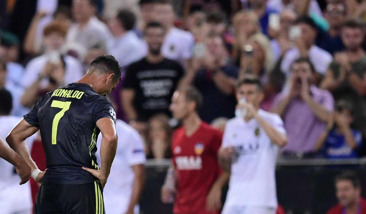 Cristiano Ronaldo se resigna por la expulsión con la Juventus en la Champions