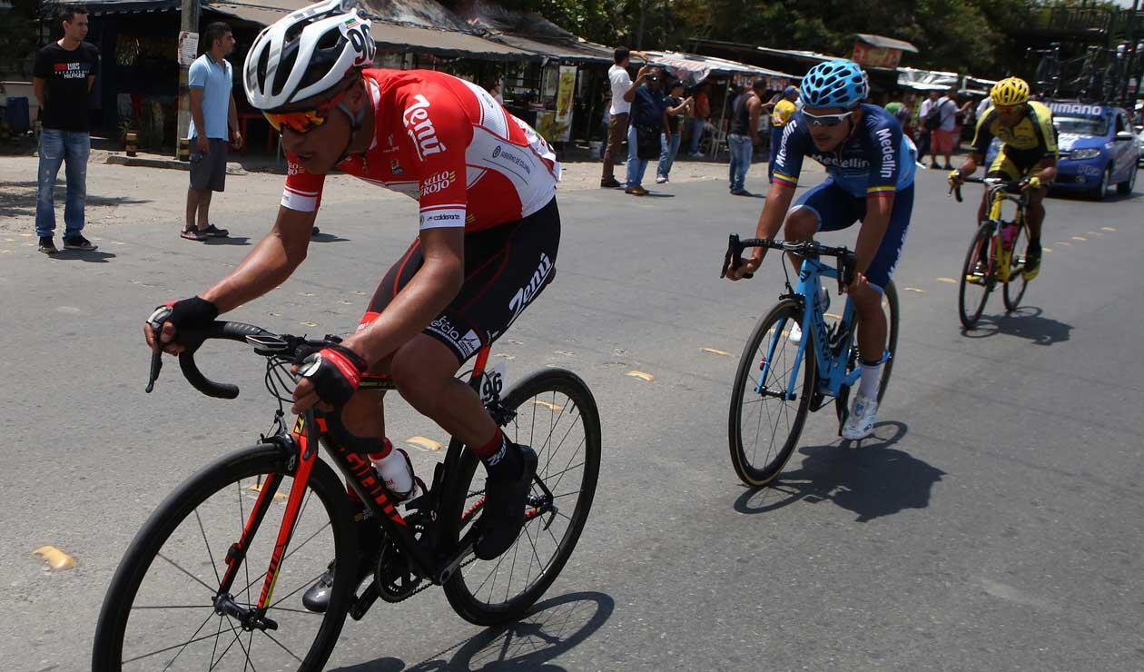 Ciclista del Coldeportes Zenú durante la segunda etapa del Clásico RCN