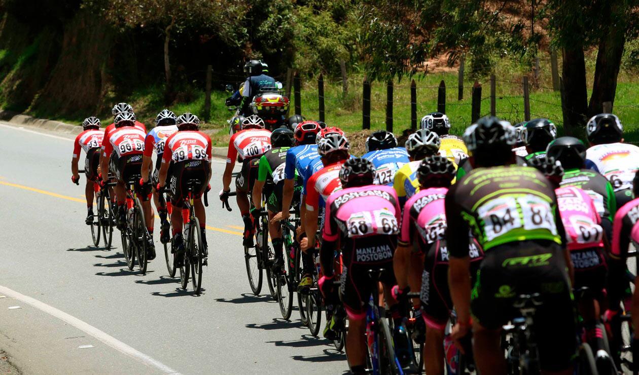 La novena etapa del Clásico RCN comenzó con una fuga en la que se involucraron diez ciclistas
