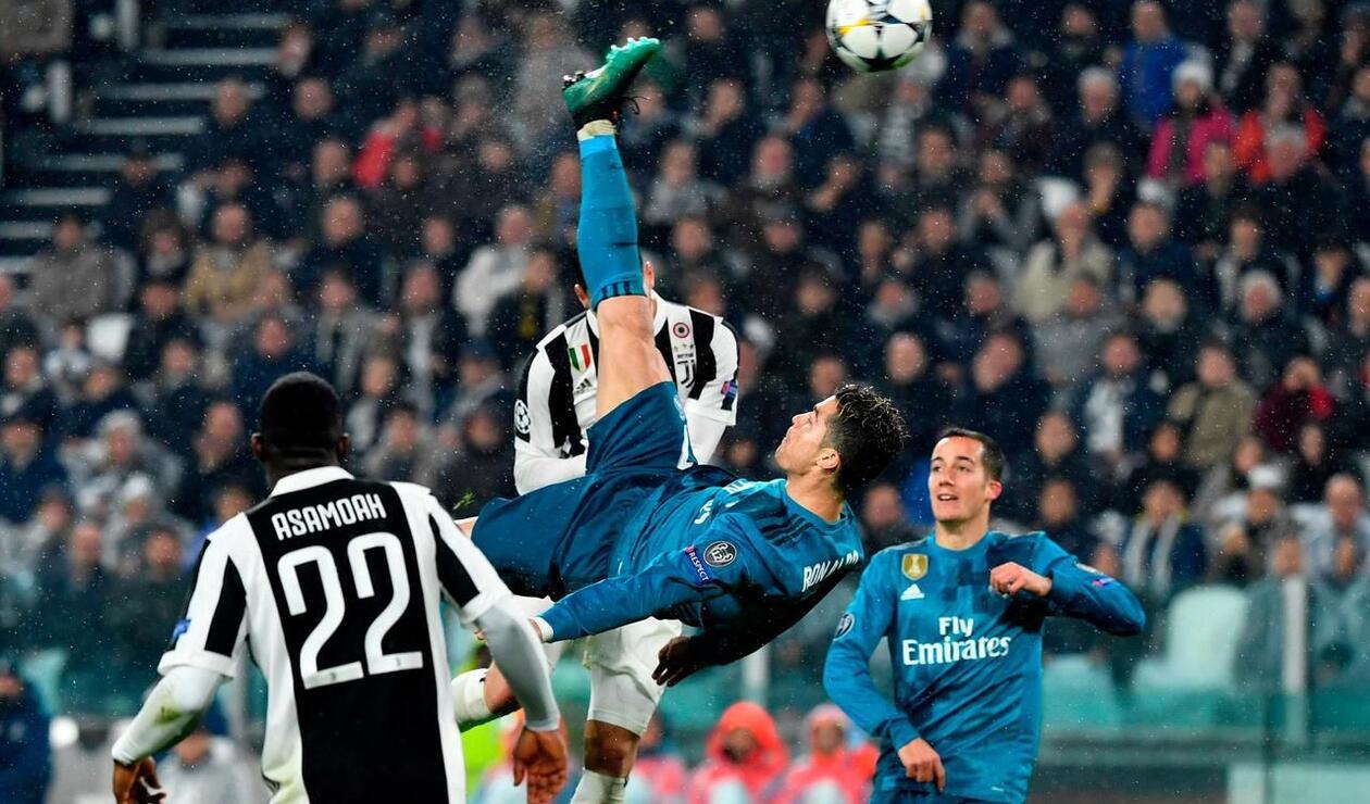 Cristiano Ronaldo anotando gol de chilena en Champions League