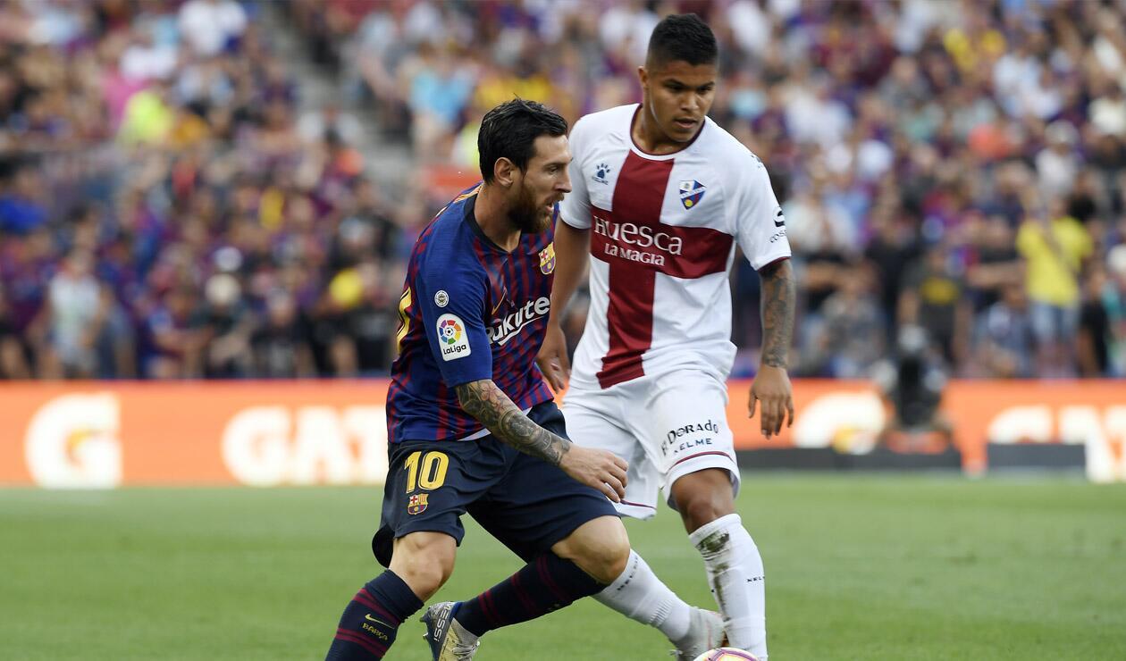 'Cucho' Hernández y Lionel Messi
