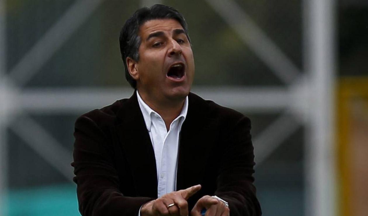 Santiago Escobar, técnico colombiano
