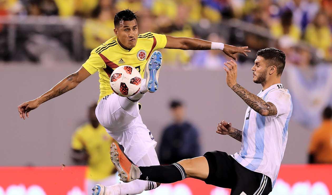 Jeison Murillo (Colombia) y Mauro Icardi (Argentina) en el amistoso disputado en New Jersey