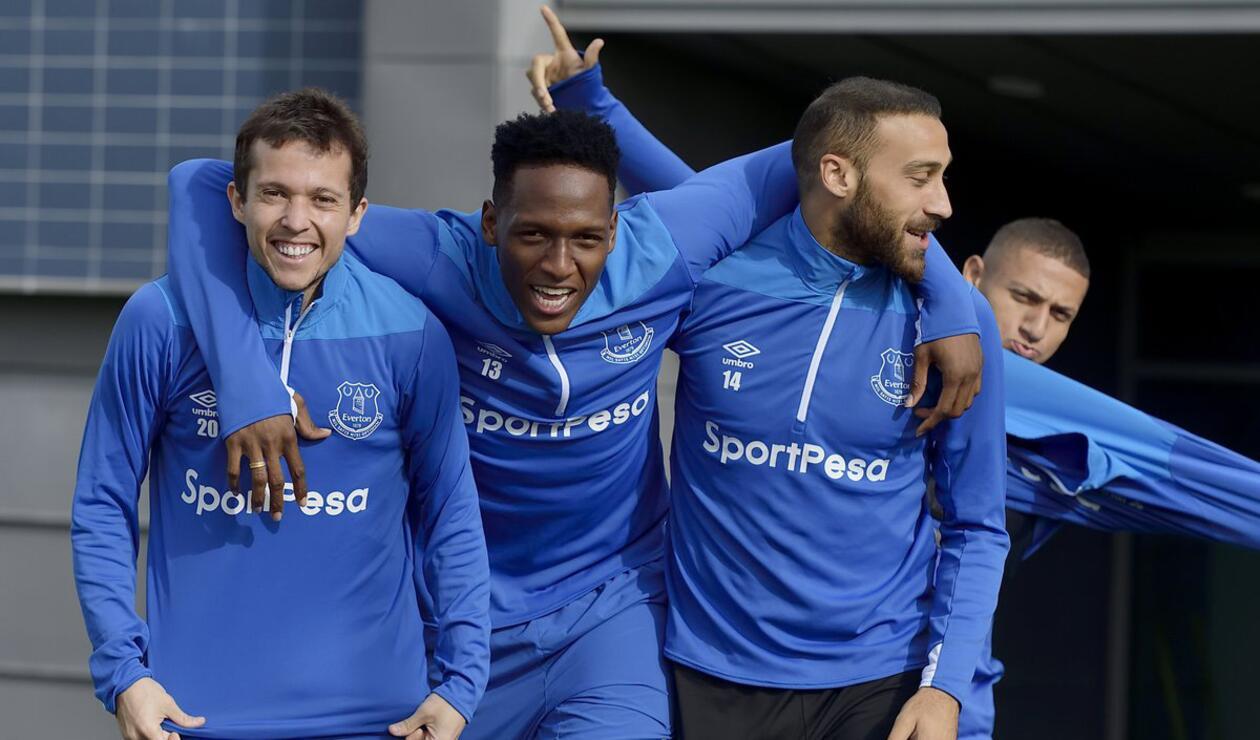 Yerry Mina en entrenamiento con Everton