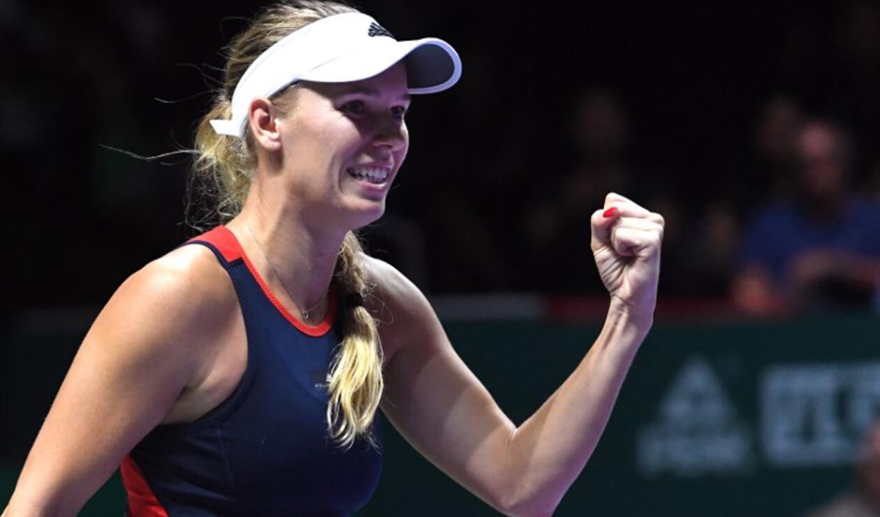 Caroline Wozniacki superó a Petra Kvitova en primera fase de las Finales WTA
