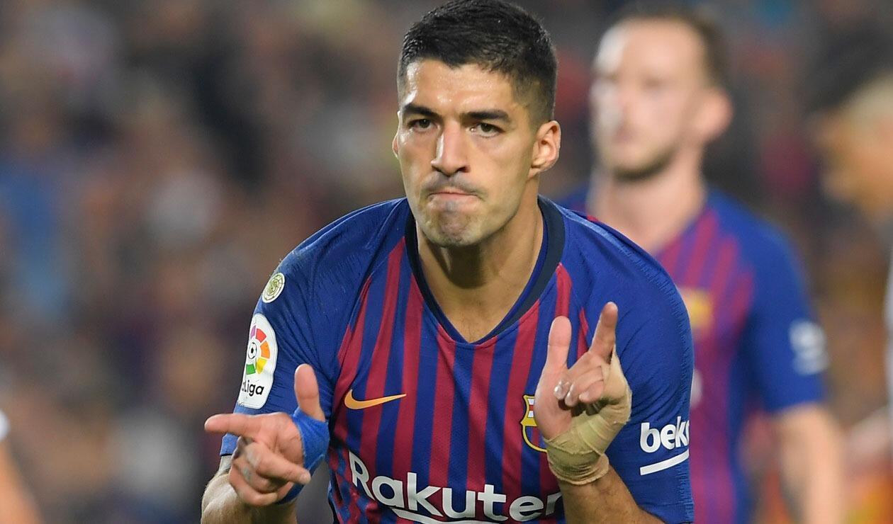 Luis Suárez celebrando el tercer gol del Barcelona ante Sevilla