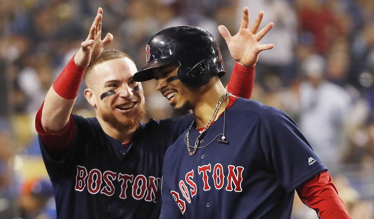 Los Medias Rojas de Bostonganaron este domingo su novena Serie Mundial al derrotar 5x1 a los Dodgers en Los Ángeles en el quinto juego (4-1).
