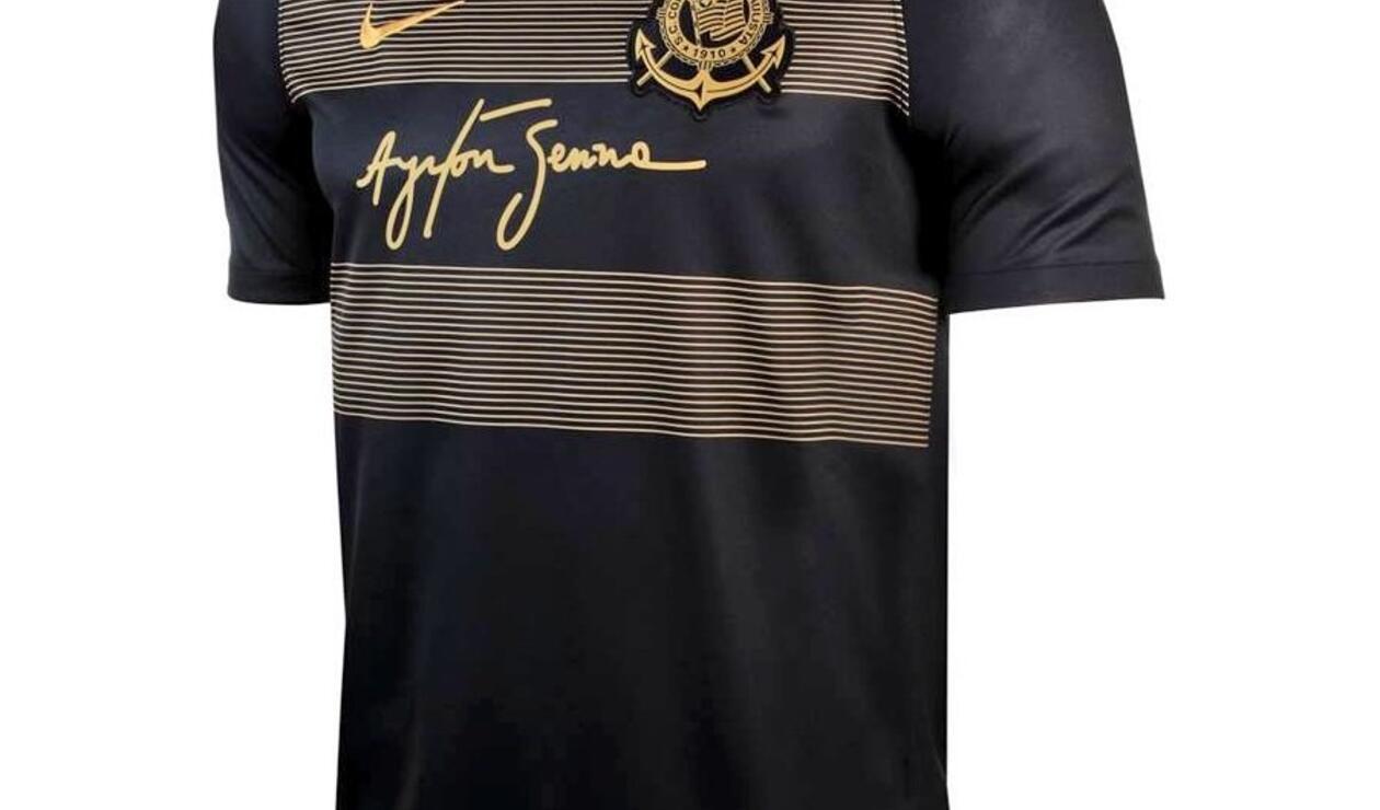 Camiseta de Corinthians en homenaje a Ayrton Senna