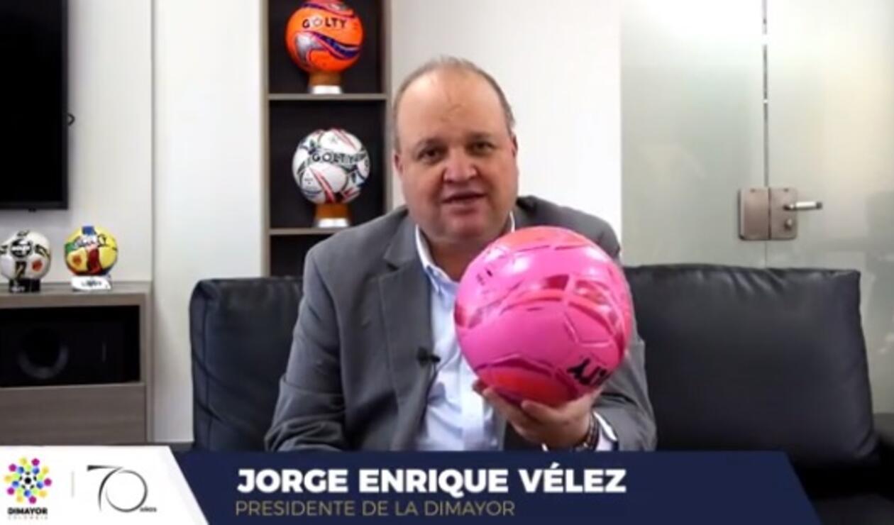 Jorge Enríque Vélez, en la campaña para prevenir el cáncer de seno