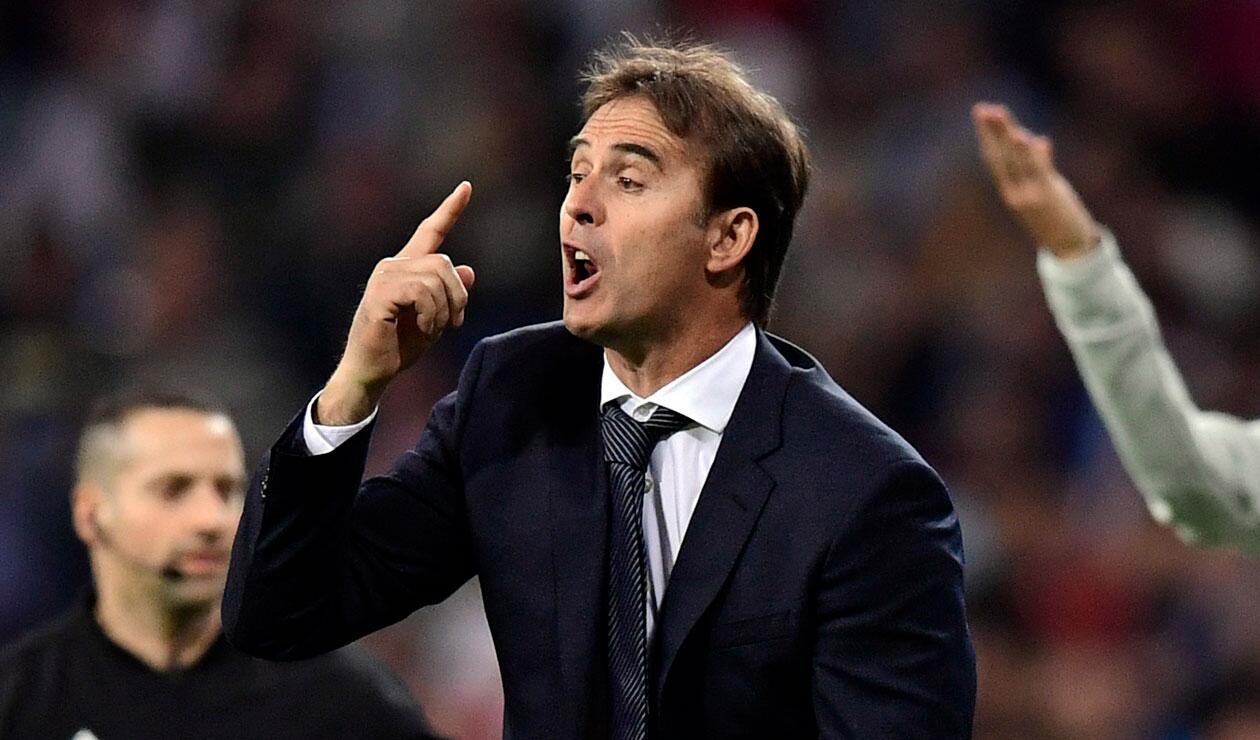 Julen Lopetegui dirigiendo al Real Madrid en el partido Viktoria Plzen