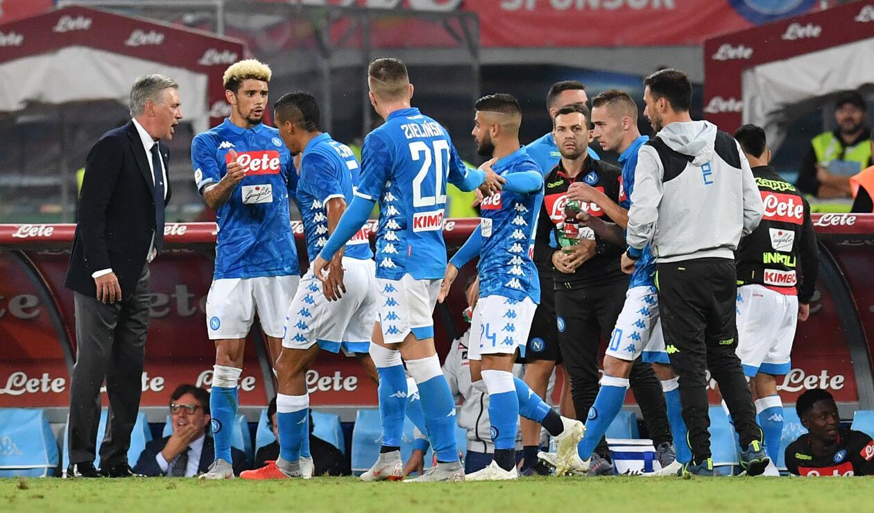 Jugadores de Napoli celebrando un gol