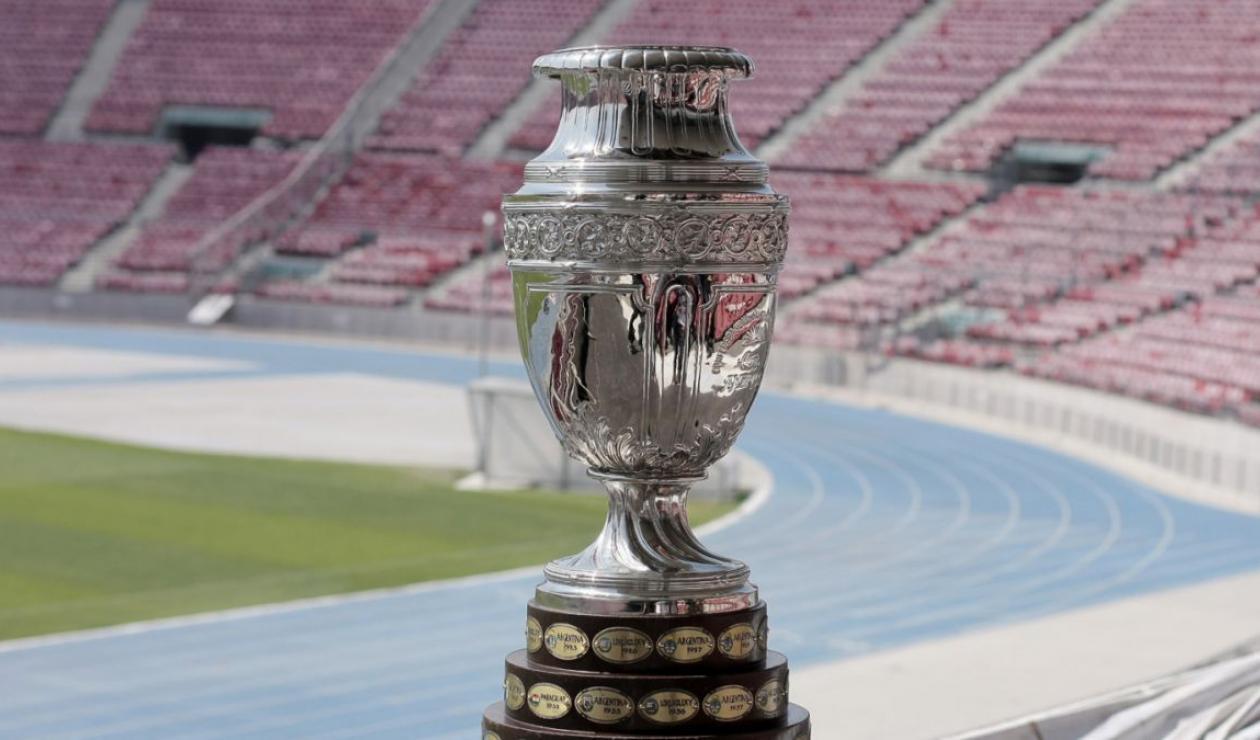 Resultado de imagen para copa america trofeo