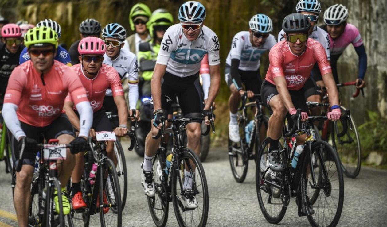 Chris Froome con el resto de competidores élite en el 'Giro de Rigo'