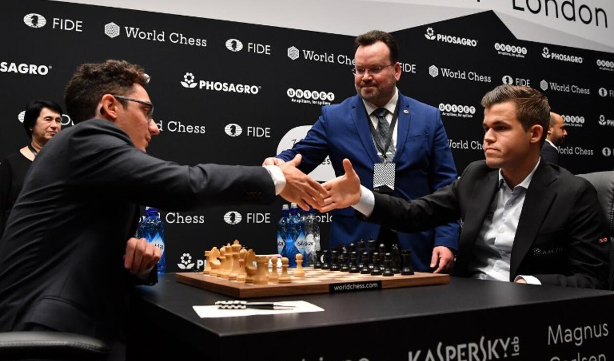 Carlsen, en una posición claramente favorable, ofreció el armisticio a un aspirante que no dudó en aceptarlas.