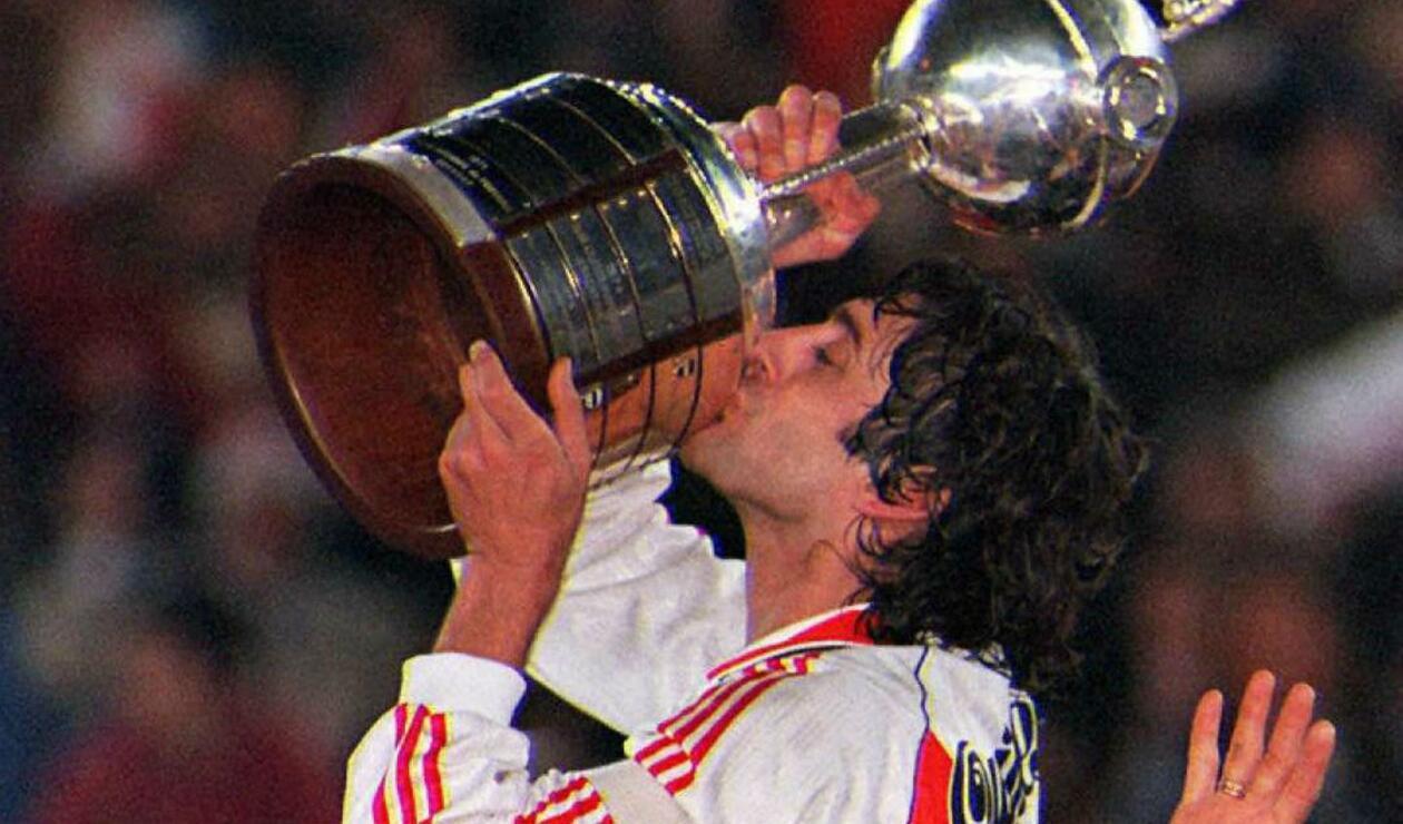 1. Enzo Francescoli. El uruguayo que llegó al club desde Wanderers en 1983 y volvió en 1994 con el propósito de levantar la Copa Libertadores: cumplió ese sueño en 1996. Además, ganó cinco títulos locales y la Supercopa de 1997.