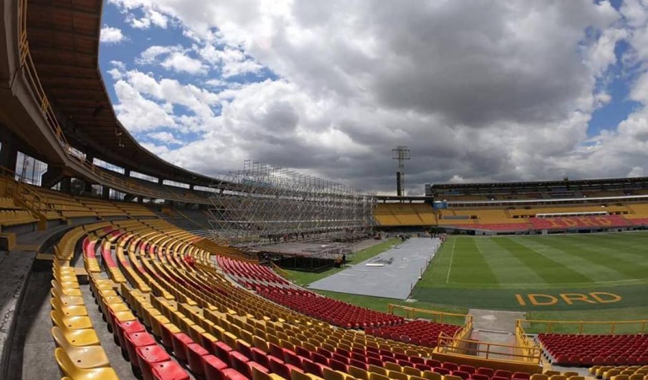Montaje del concierto de Roger Waters en El Campín de Bogotá