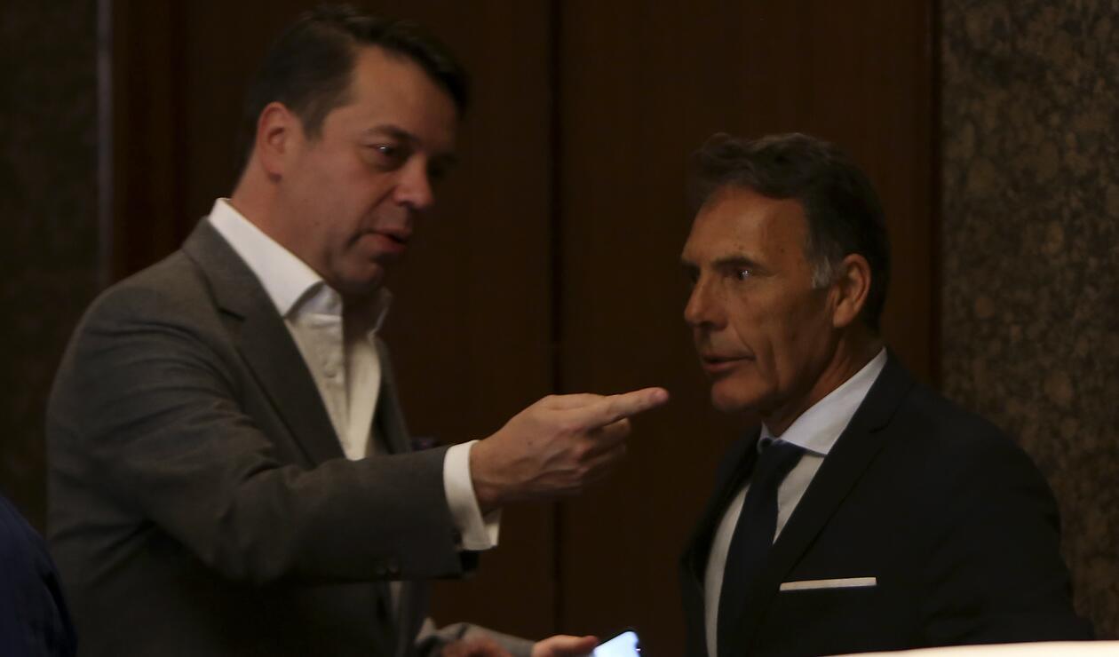 Gustavo Serpa, máximo accionista de Millonarios, junto a Miguel Russo