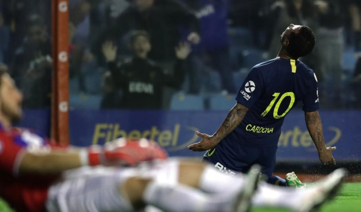 Edwin Cardona celebra el gol ante Tigres en la Superliga argentina